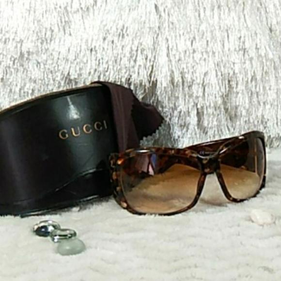 AUTH GUCCI  Sunglasses with Black Case